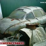 A Mercedes 300SL Gullwing was found in Cuba, along with several spare doors and hoods.