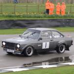 Paul King and Alicia Miles lock the fronts in a 2500cc Mark 2 Escort that features Carbon Fibre Panels