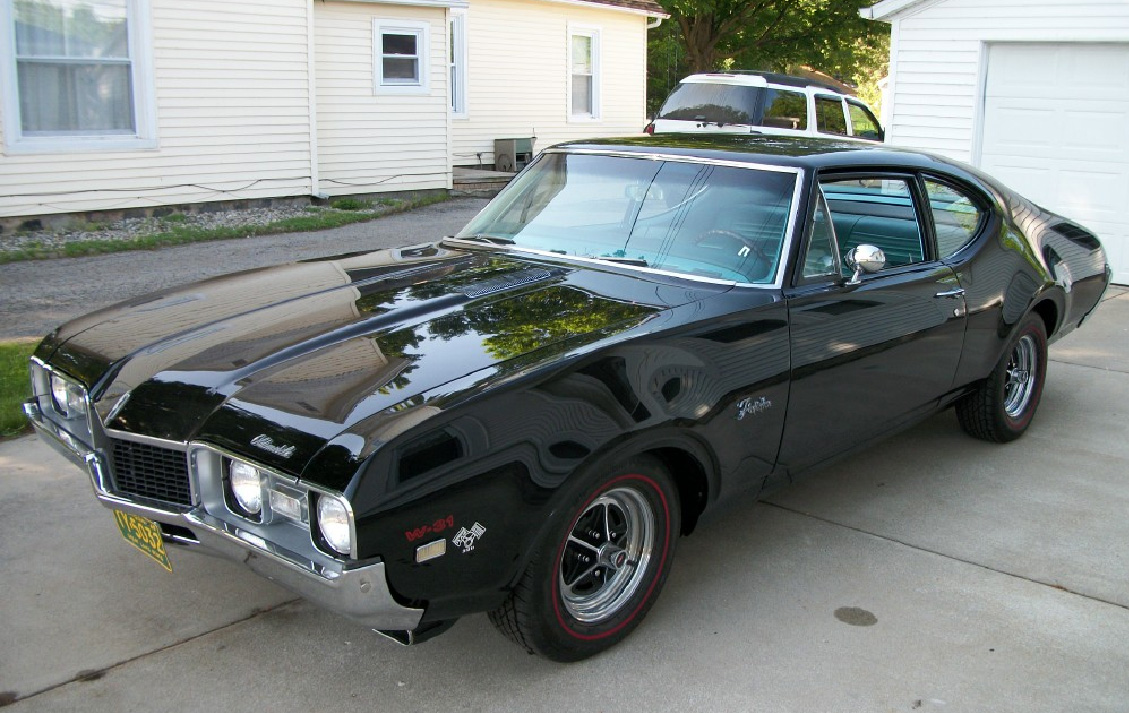 Our Cars: Independent Agent Rick Munday's 1968 Olds factory drag car thumbnail