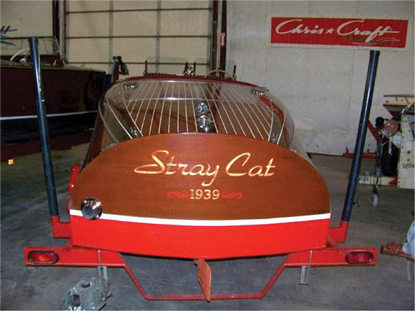 19-foot 1939 Chris-Craft Custom Barrel Back Runabout thumbnail