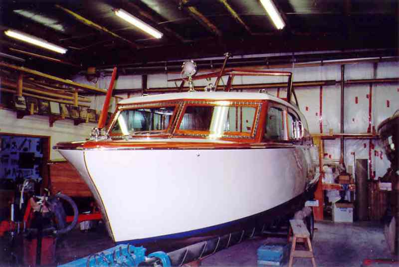 27-foot 1956 Chris-Craft Sedan Cruiser thumbnail