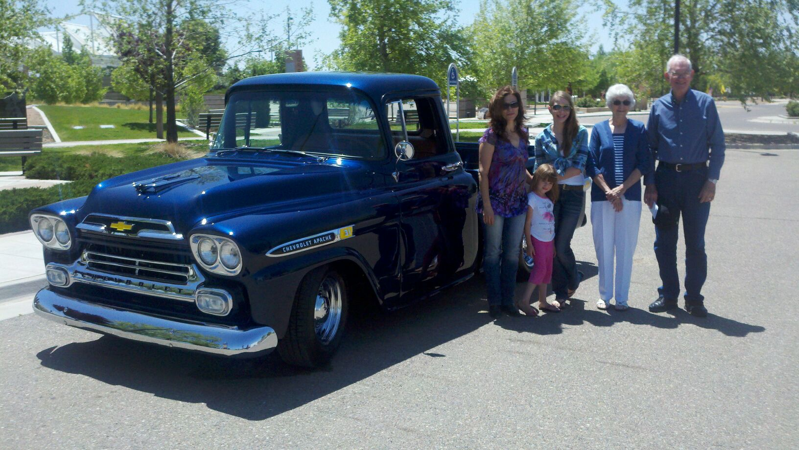 Route 66 Retro Road Trip: Meeting the Hays family thumbnail