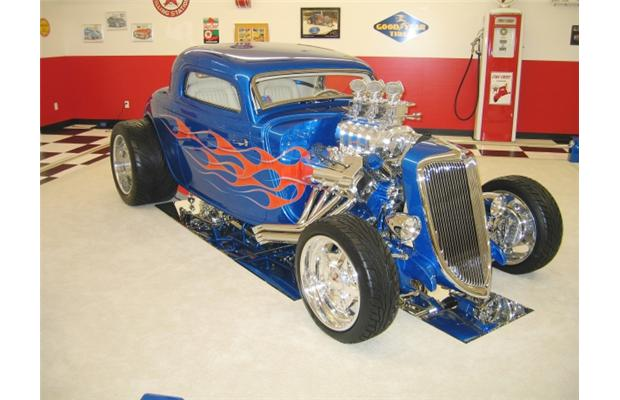 American Graffiti classics at B.C. car show thumbnail