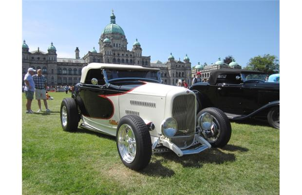 Hot rods heat up the Inner Harbour thumbnail