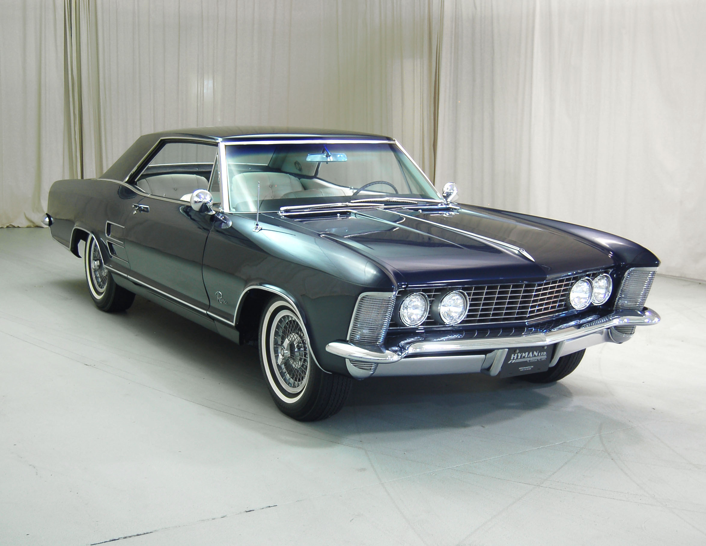 Five Of The Most Elegant American Cars thumbnail