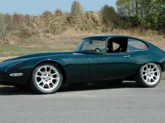 drive an e type e type reliability hagerty articles. Black Bedroom Furniture Sets. Home Design Ideas