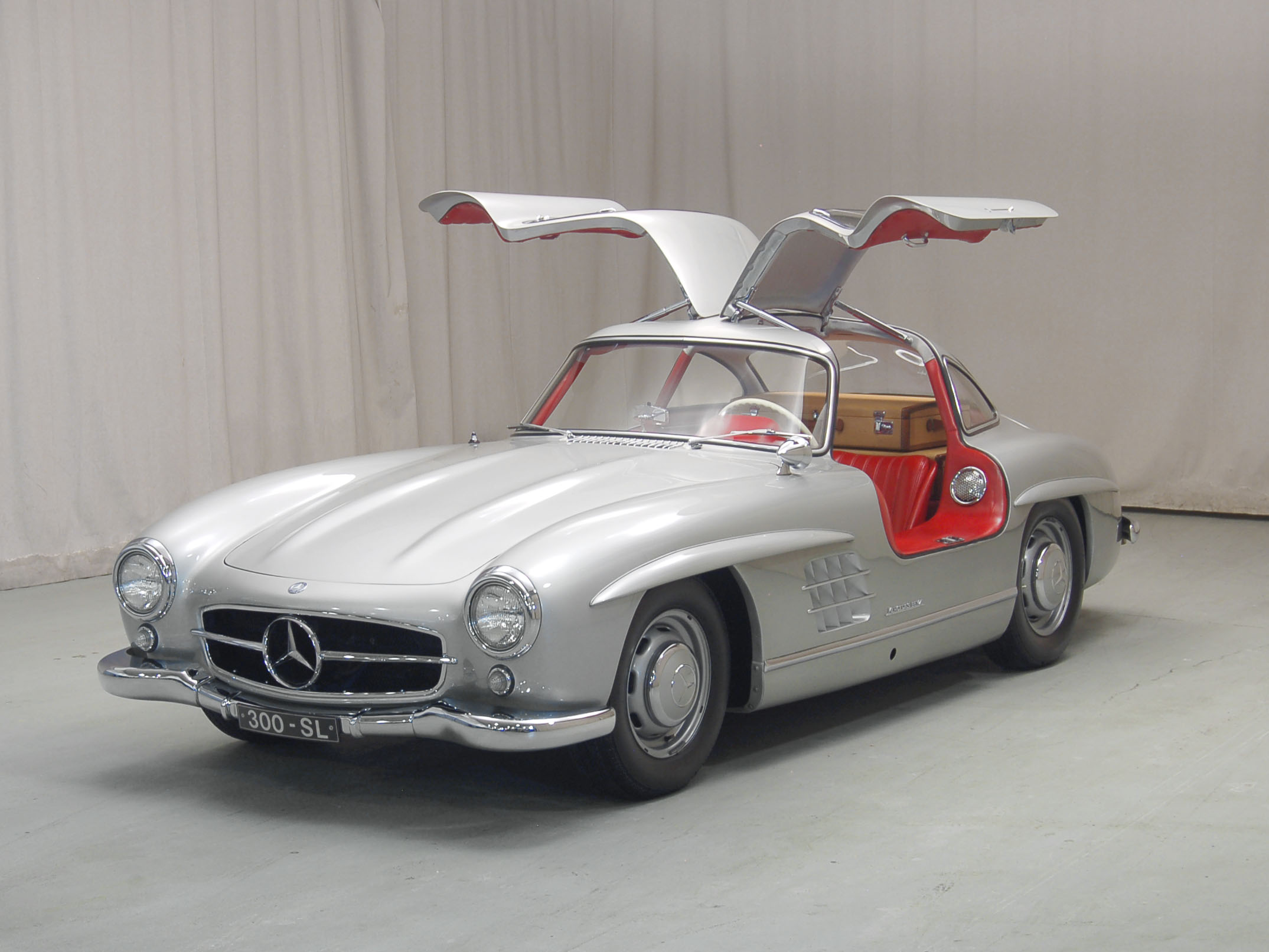 Mercedes-Benz 300 SL 60th Anniversary thumbnail