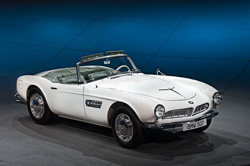 The Cars of Elvis: What did the singer keep in his garage? thumbnail