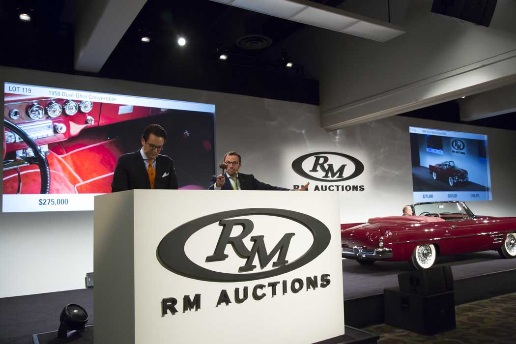 The pros and cons of selling at auction thumbnail