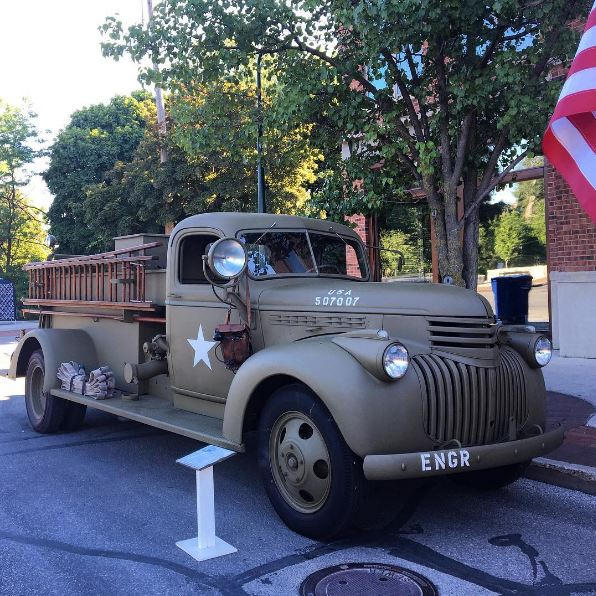 1943 Chevrolet C100 / U.S. Army Fire Truck