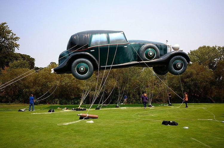 Monterey Classic Car Week, parade balloon