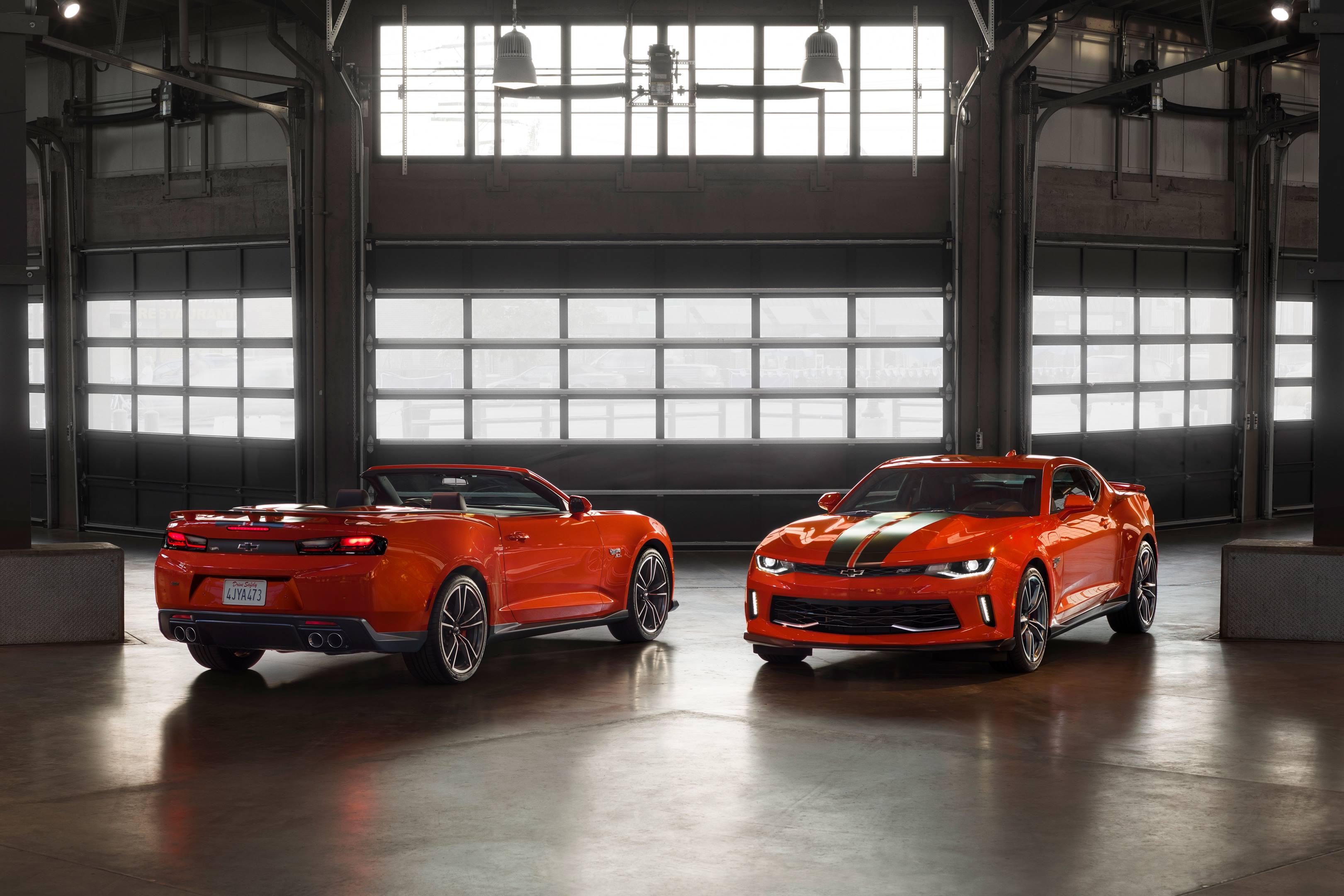 2017 SEMA Chevrolet Hot Wheels Camaro front and back