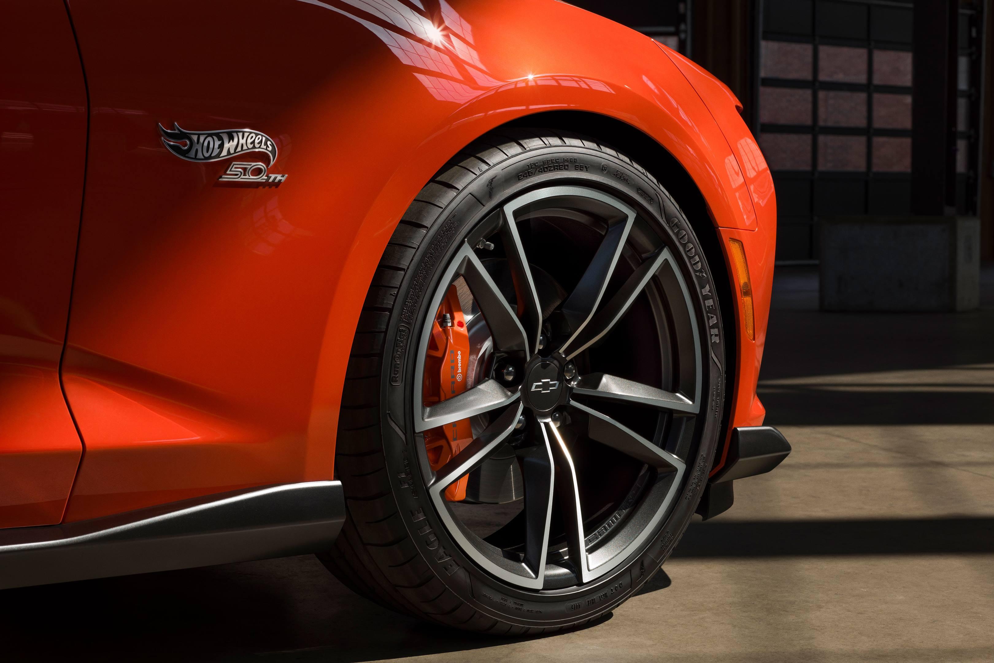 2017 SEMA Chevrolet Hot Wheels Camaro wheel detail