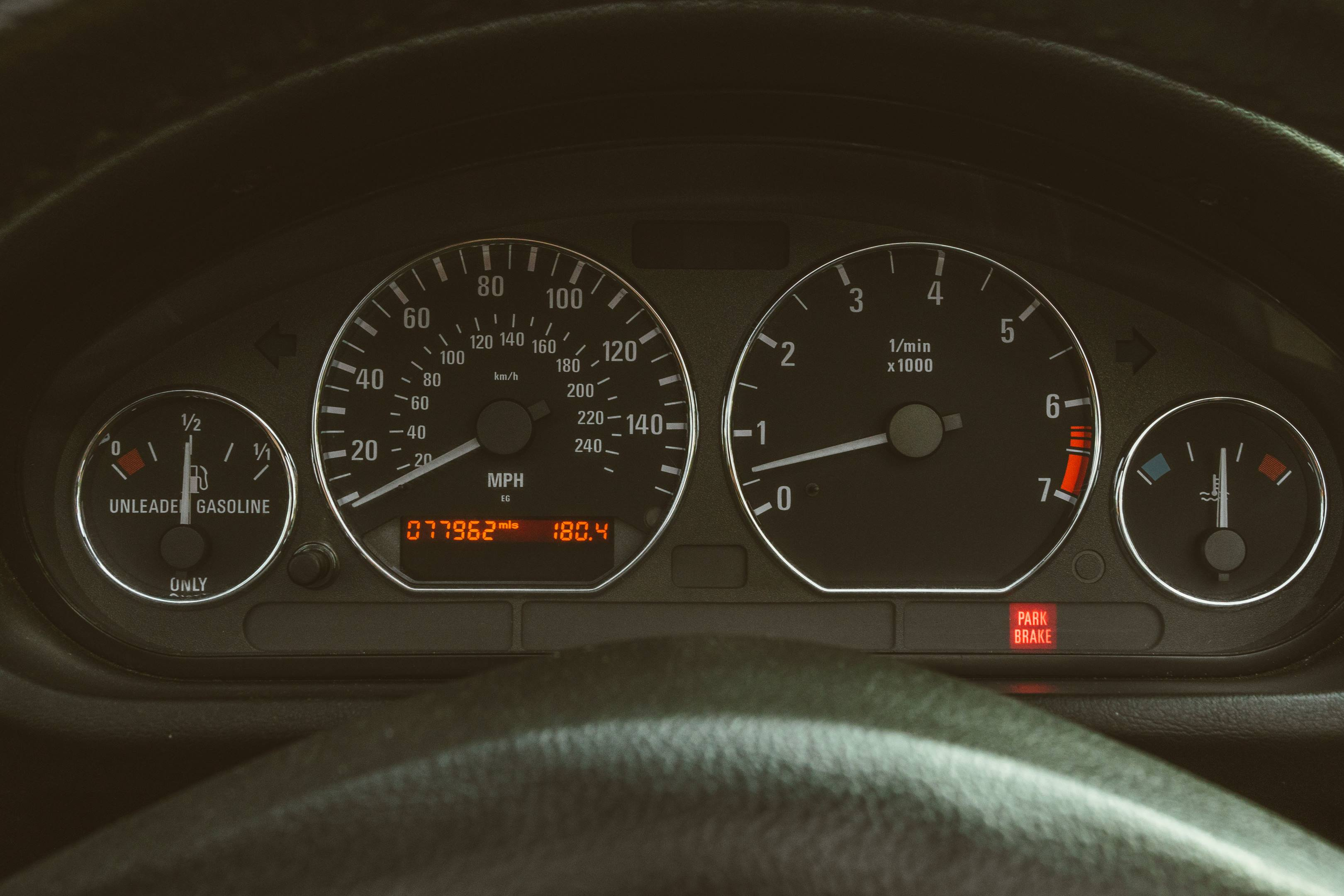 2001 BMW Z3 2.5i gauges
