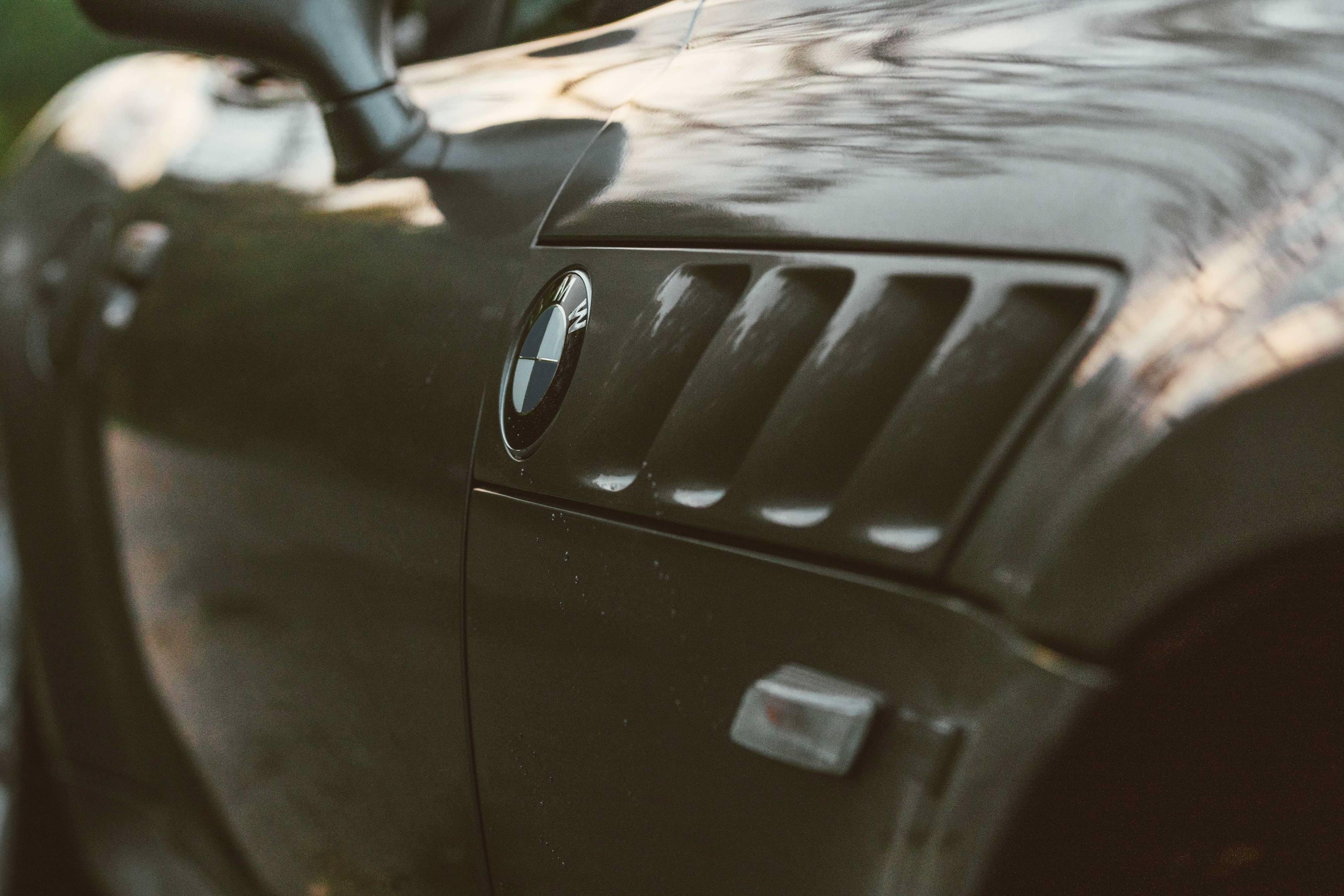 2001 BMW Z3 2.5i intake detail