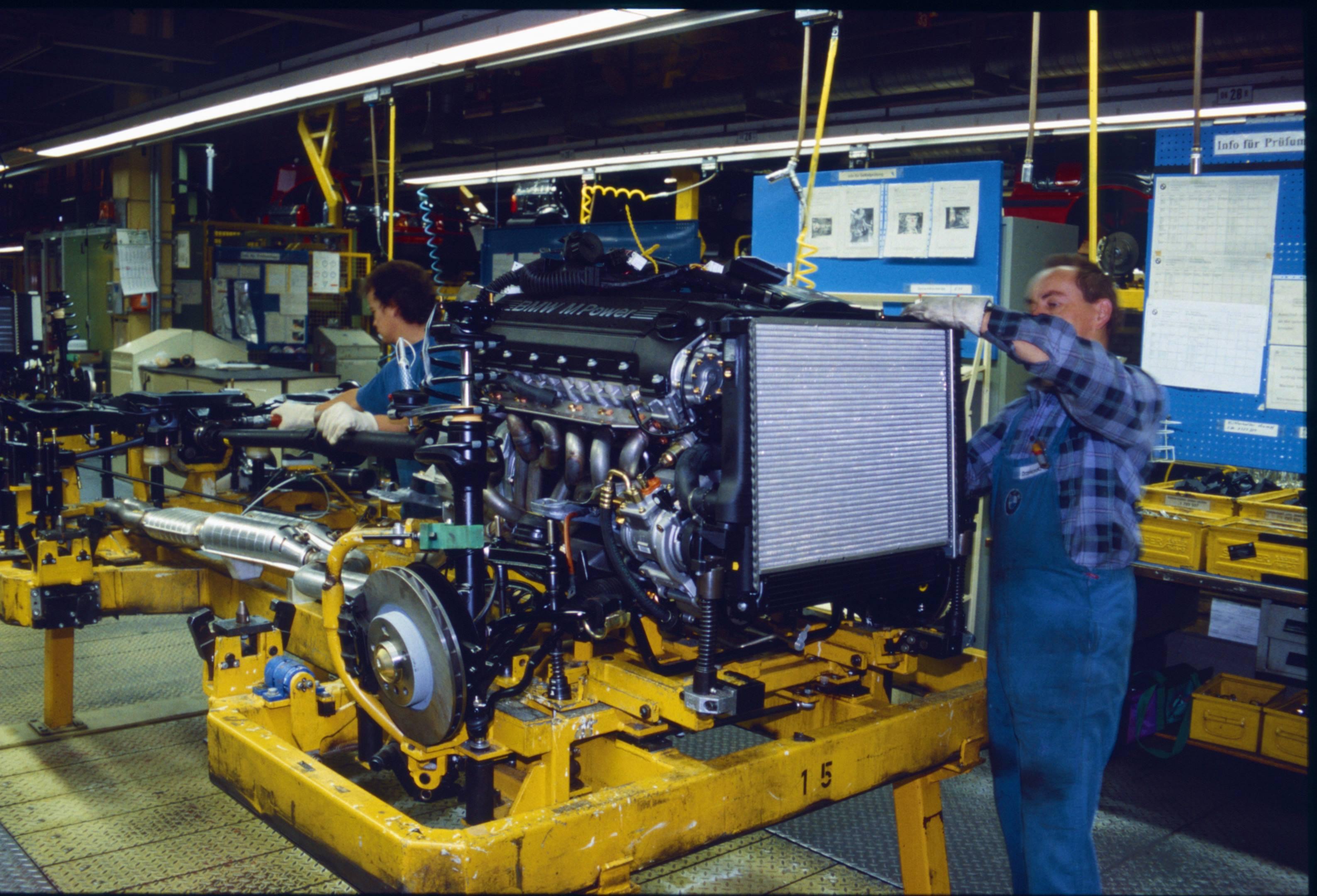 BMW E36 M3 engine production
