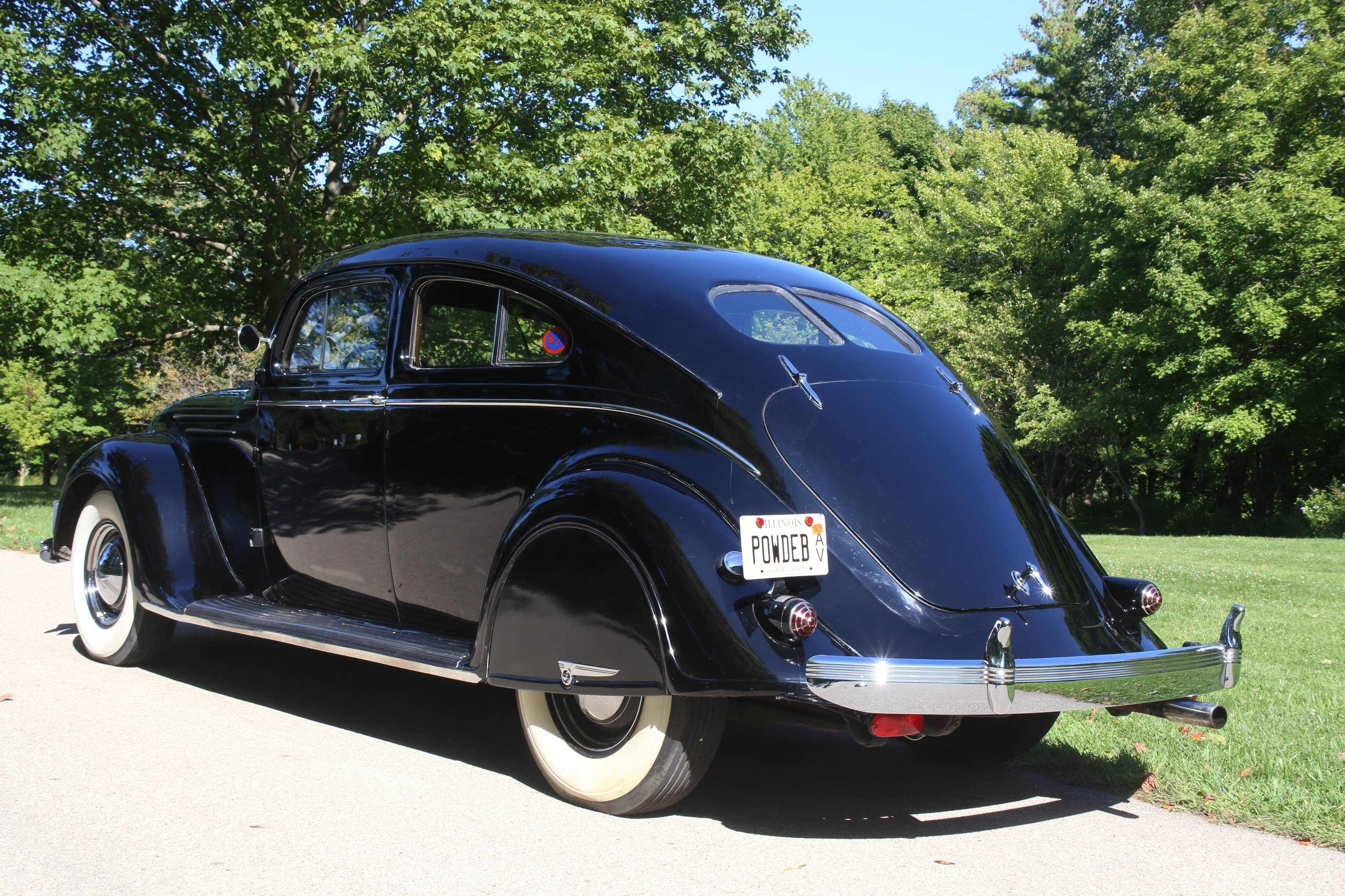 1937 Chrysler Imperial Airflow coupe
