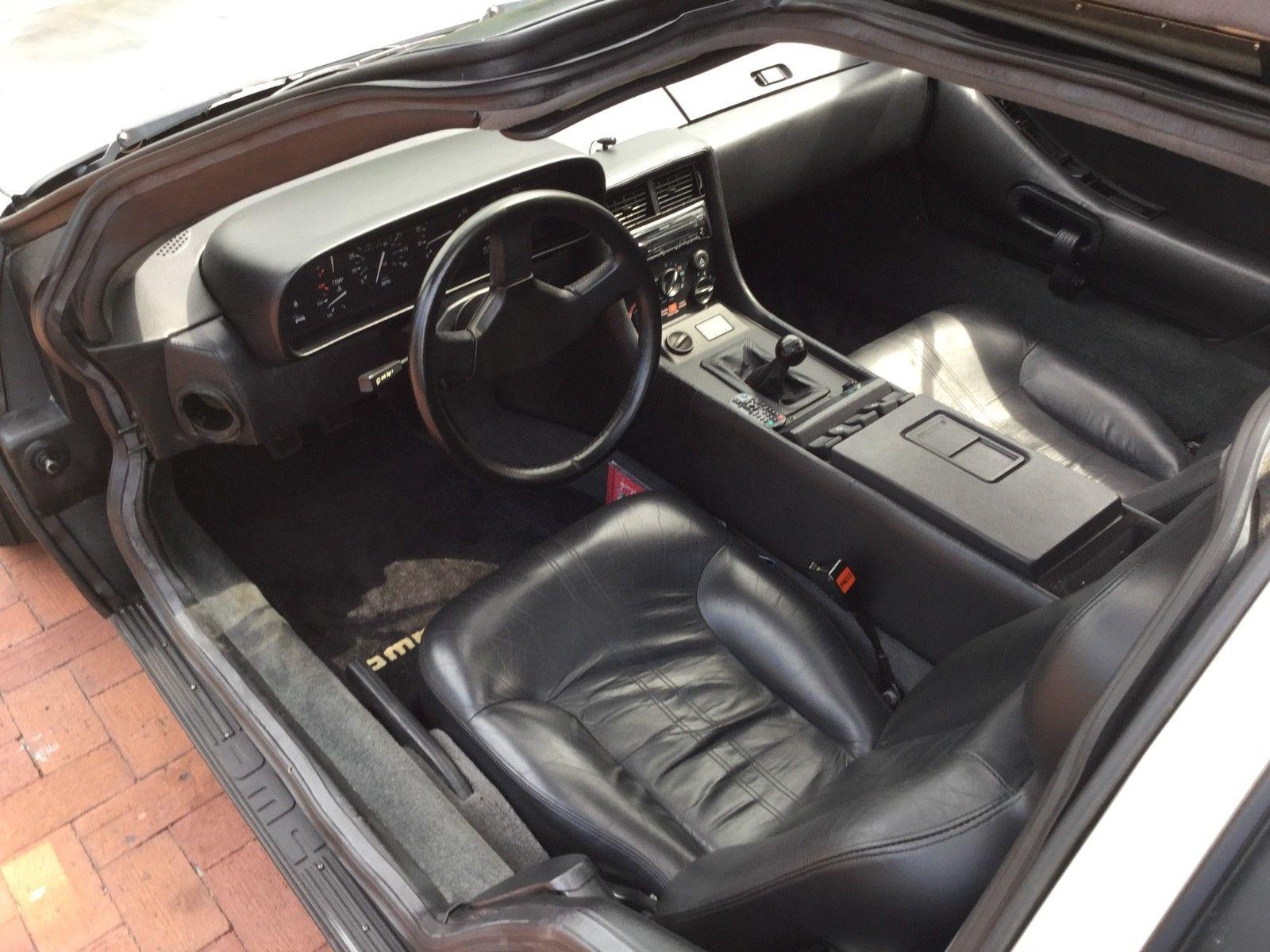 1981 DeLorean DMC-12 interior