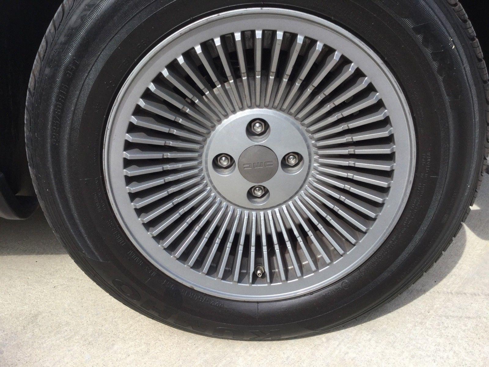 1981 DeLorean DMC-12 wheel