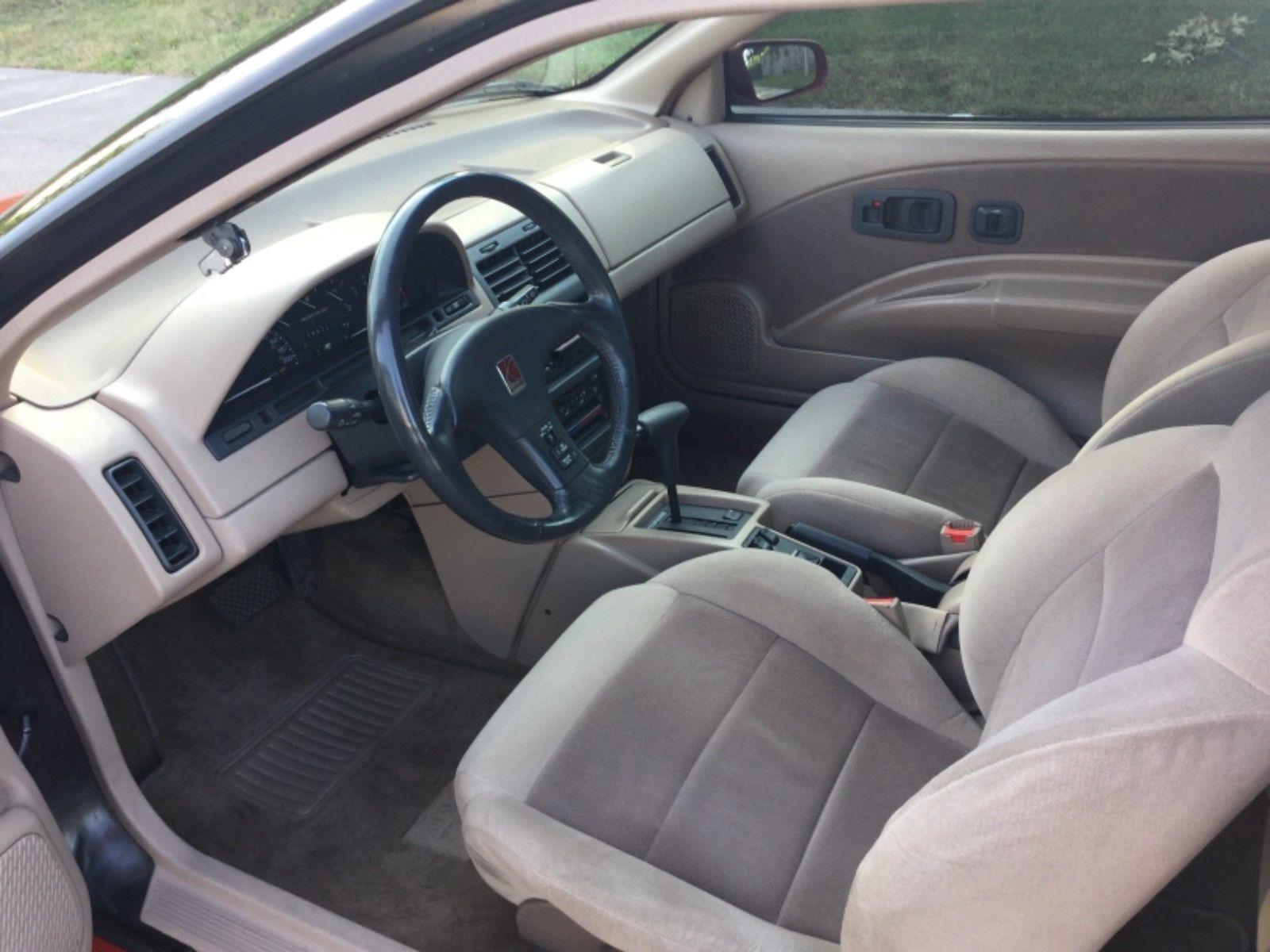 1992 Saturn SC2 interior