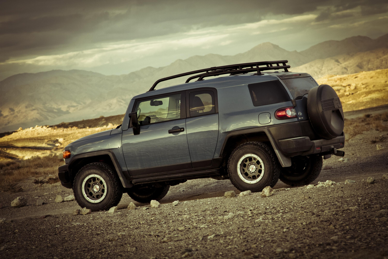 2014 Toyota FJ Cruiser Ultimate Edition profile