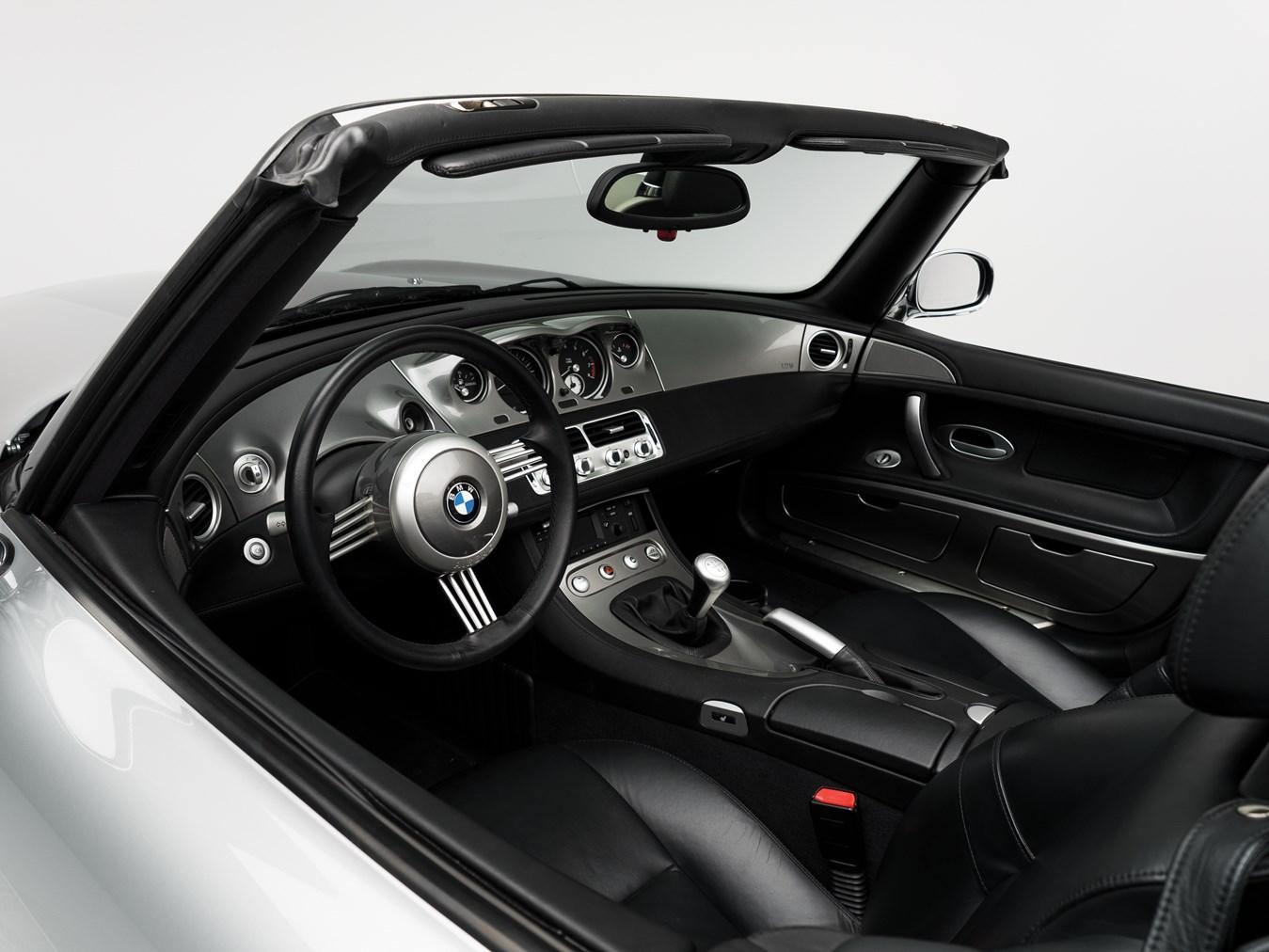 2000 BMW Z8 interior