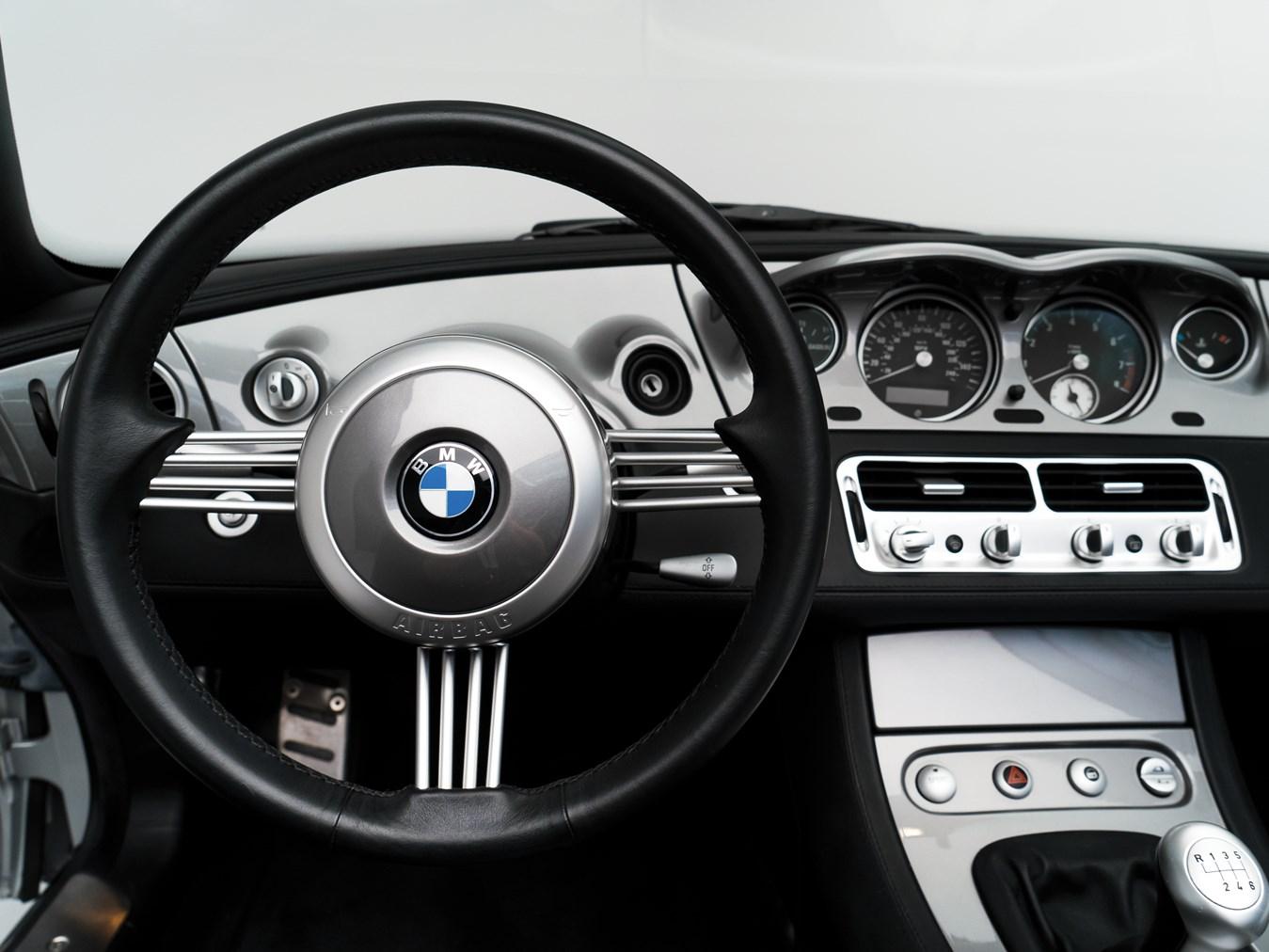 2000 BMW Z8 dash