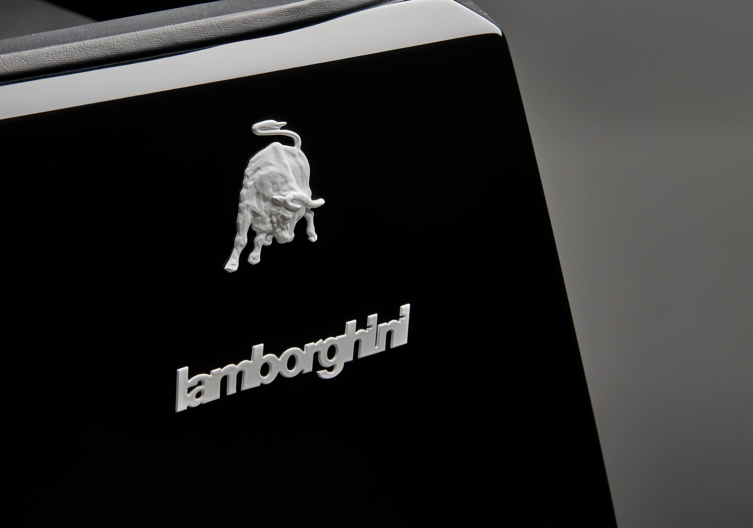 Lamborghini LM002 owners manual