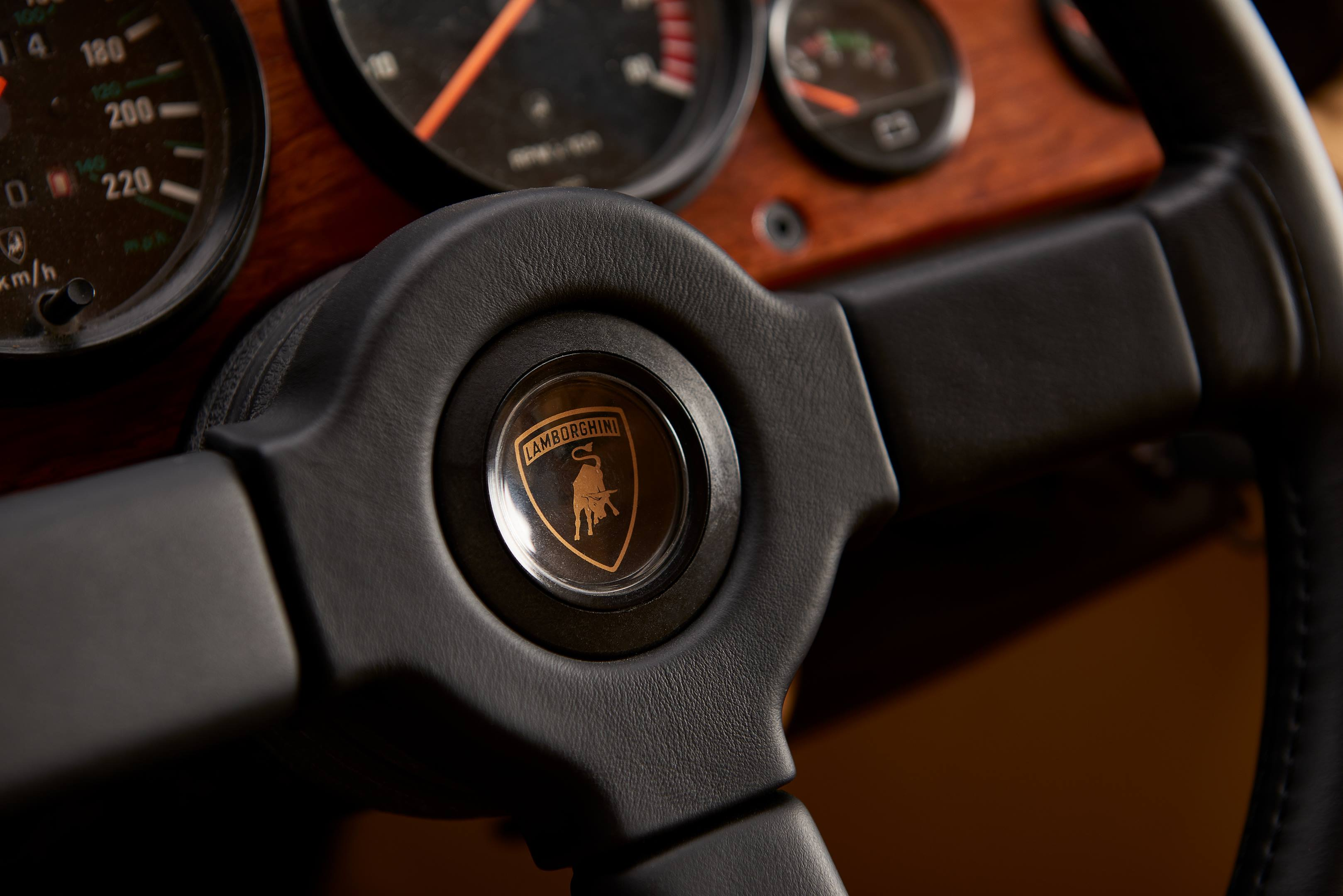 Lamborghini LM002 steering wheel