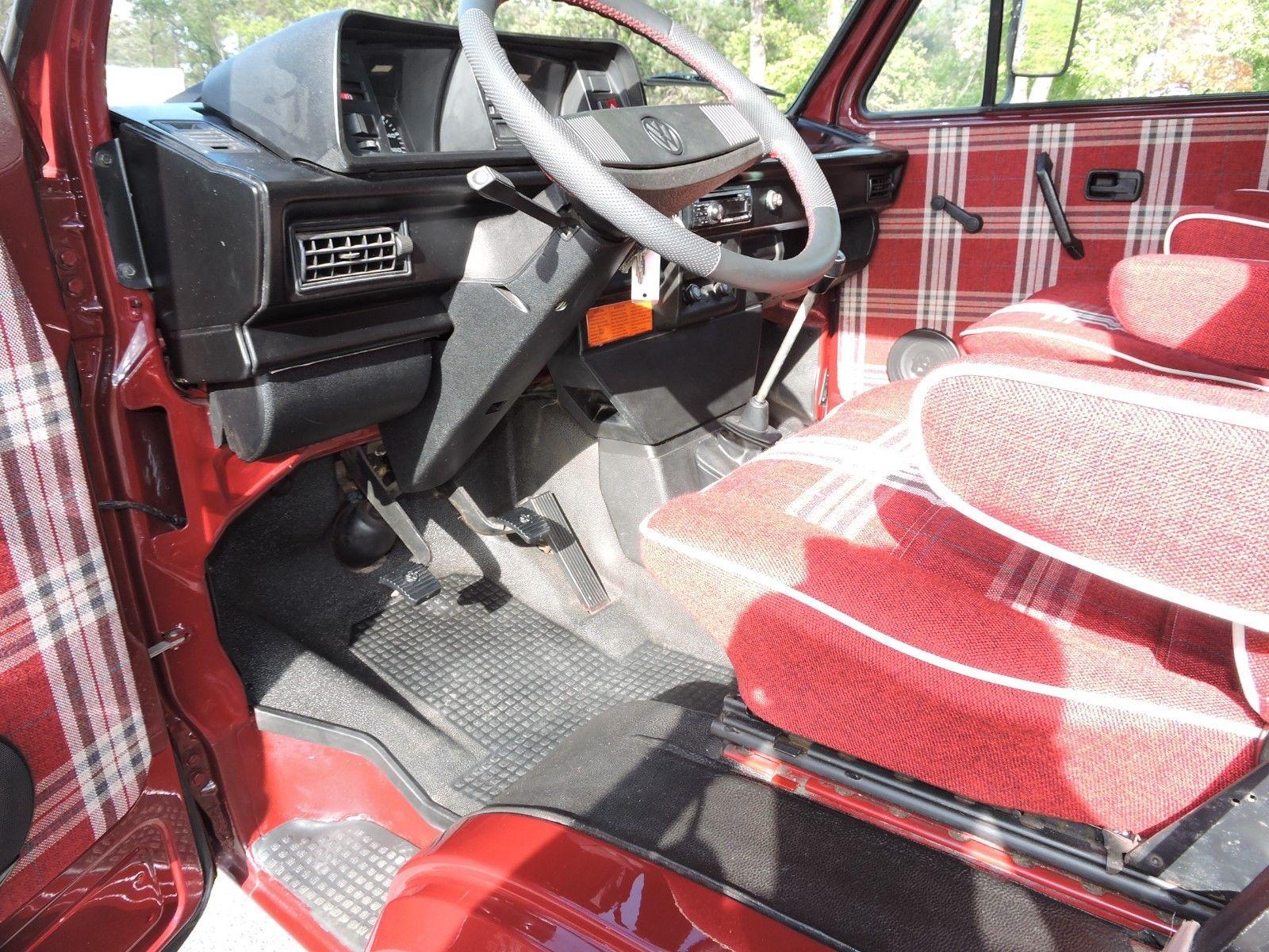 1990 Volkswagen Bus/Vanagon Doka Syncro 4WD Camper interior