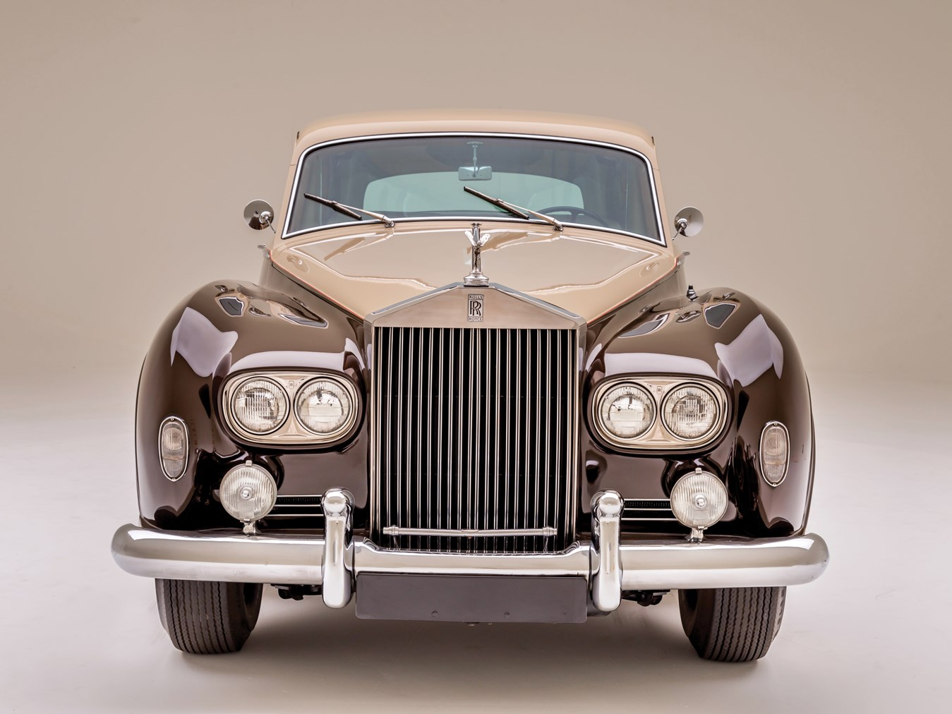 1966 Rolls-Royce Silver Cloud III Touring Limousine front