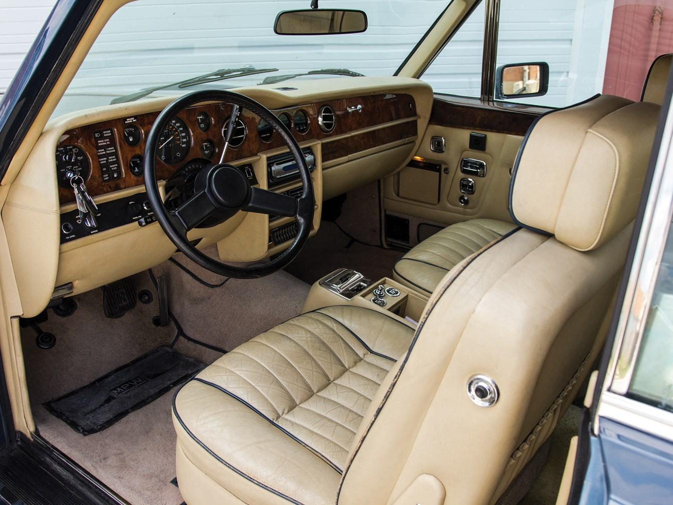 1985 Rolls-Royce Corniche Drophead Coupe interior
