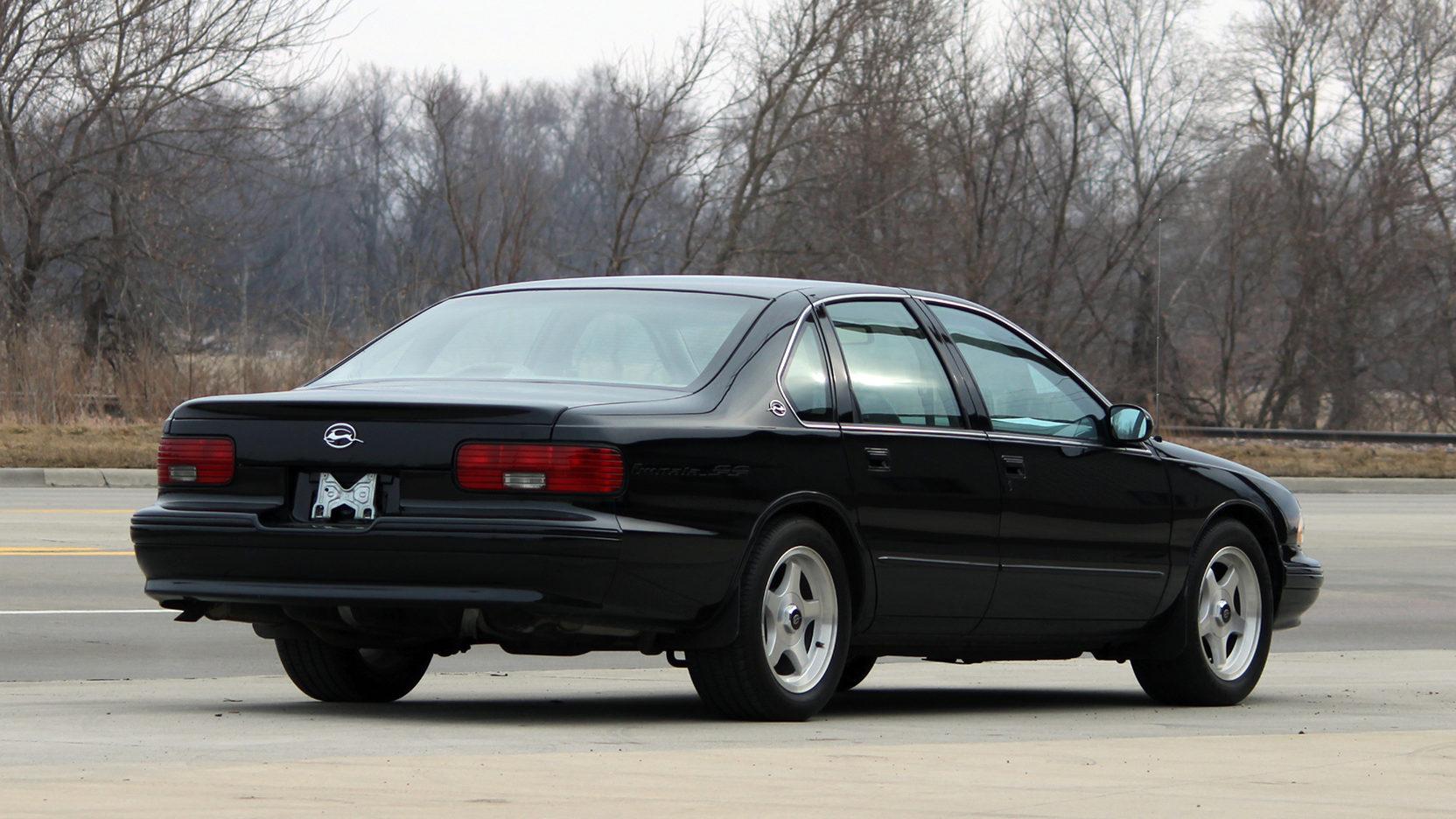 1995 Chevrolet Impala SS rear 3/4