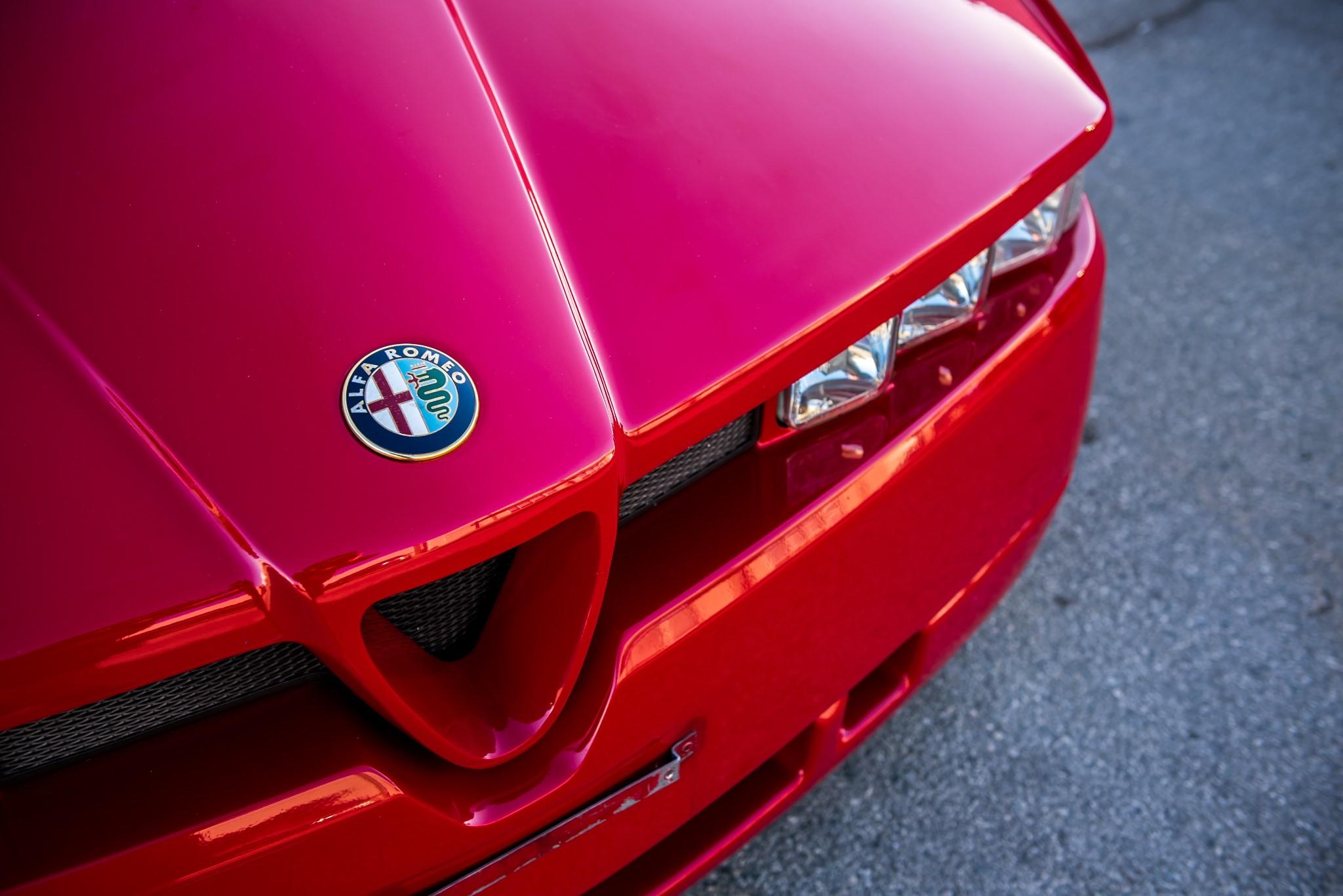1991 Alfa Romeo SZ hood detail