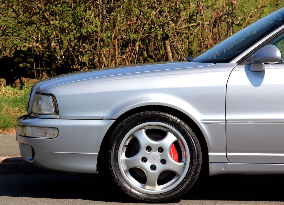 1995 Audi RS2 front wheel detail