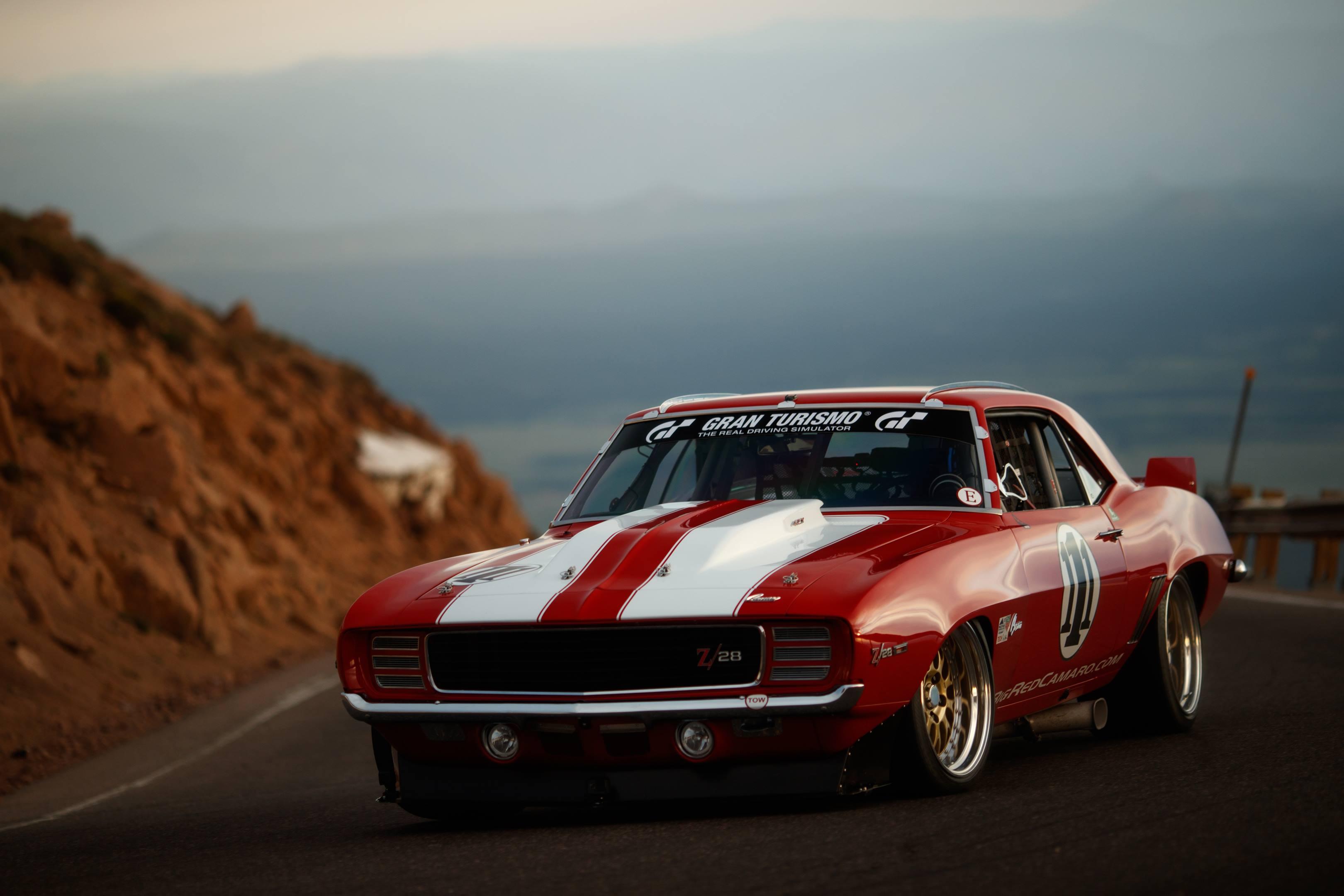 Bid Red racing