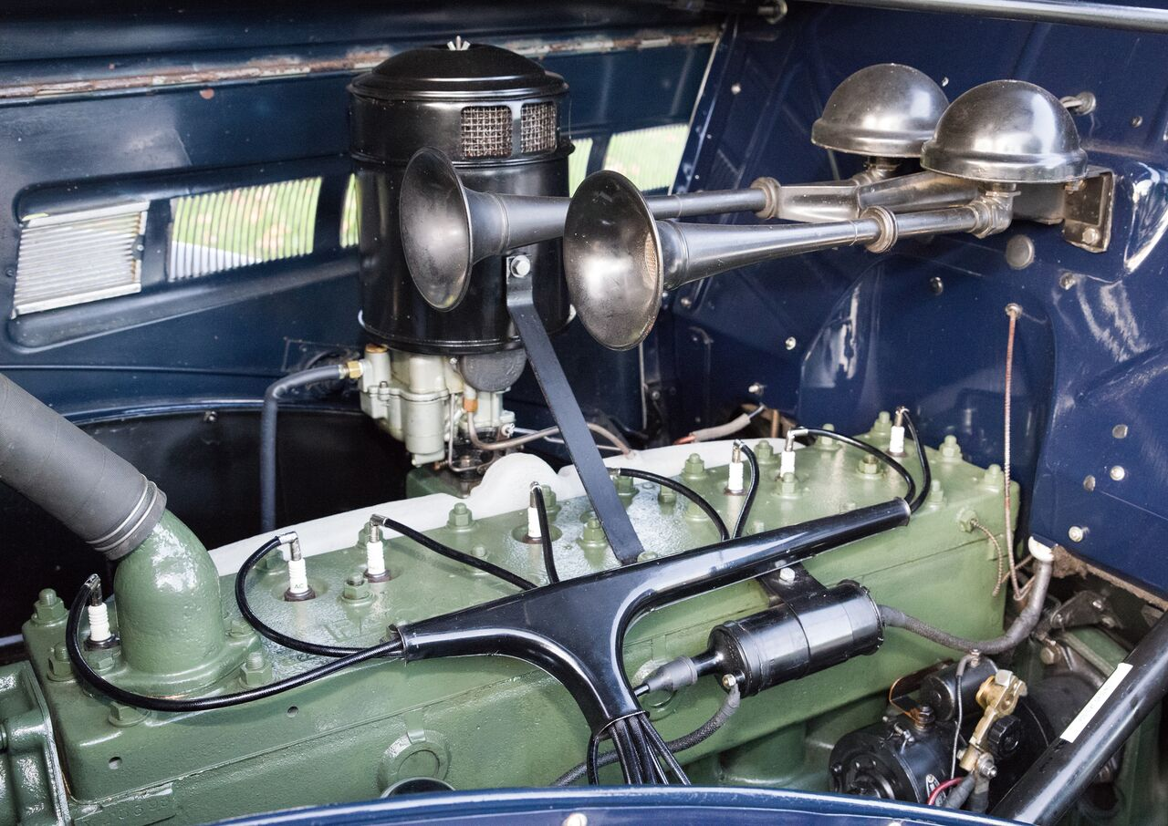 The side-valve inline eight-cylinder engine displaces 257 cubic inches (4.2L). It generates 110 horsepower, a robust figure in 1935.