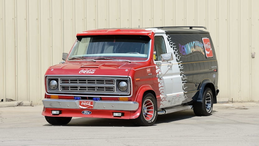 10 vintage American vans that will steal the show at Mecum's