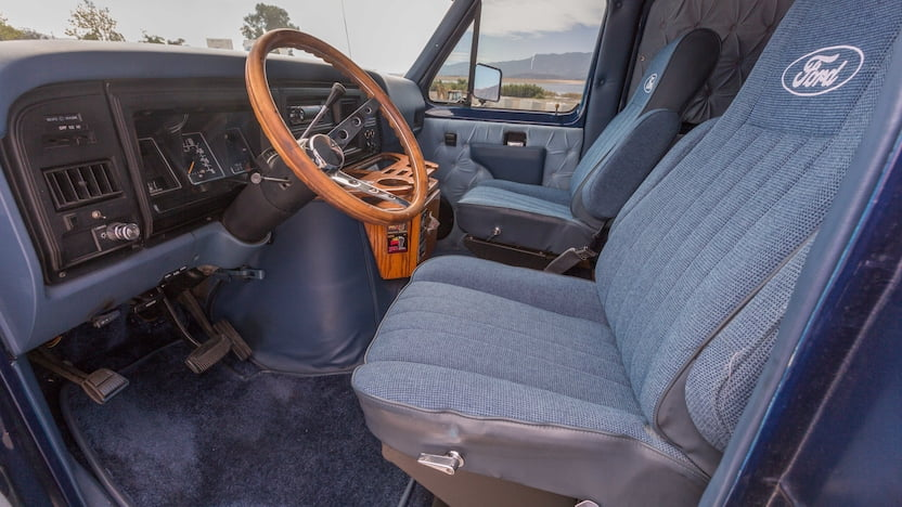 1986 Ford Econoline Van interior