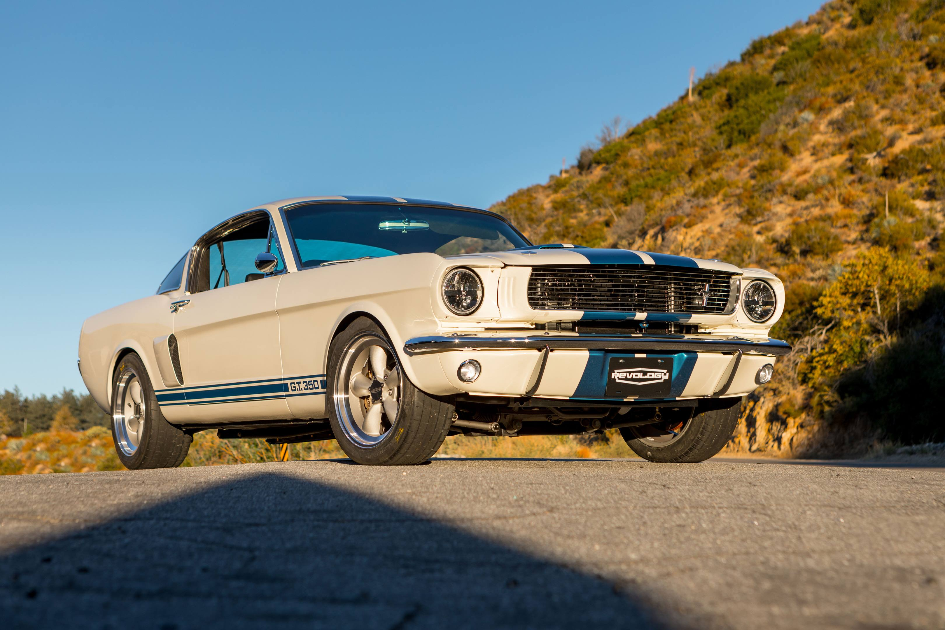 Revology GT350 low front 3/4