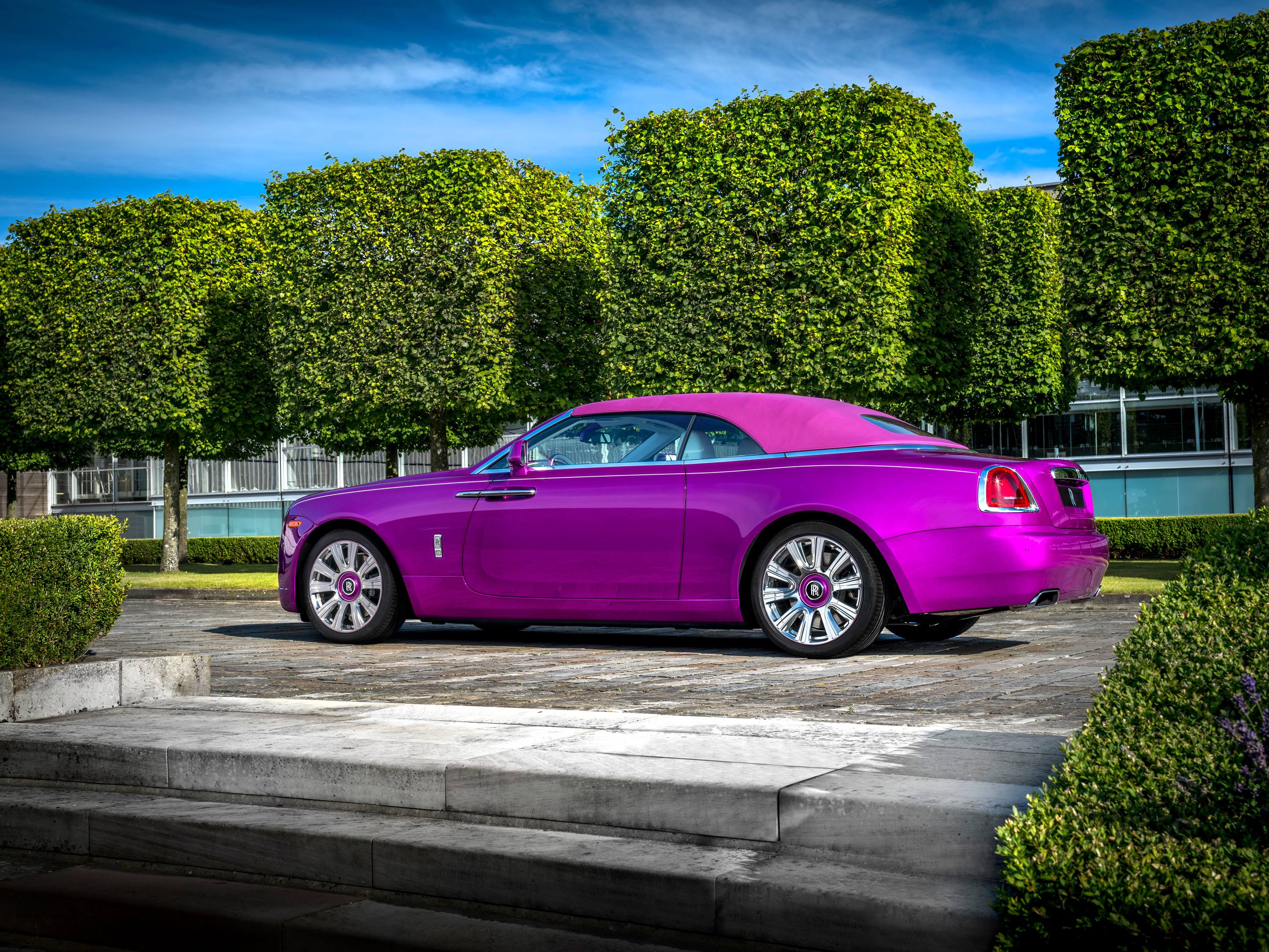 Michael Fux's Rolls-Royce Dawn convertible top up