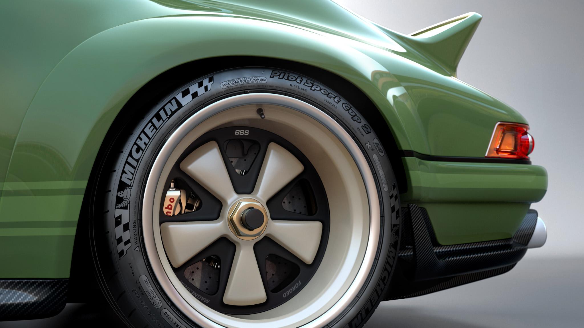 1990 Porsche 911 left rear wheel