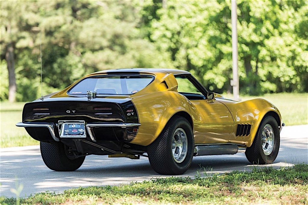 Baldwin Motion 1969 Chevrolet Phase III GT Corvette rear 3/4 view