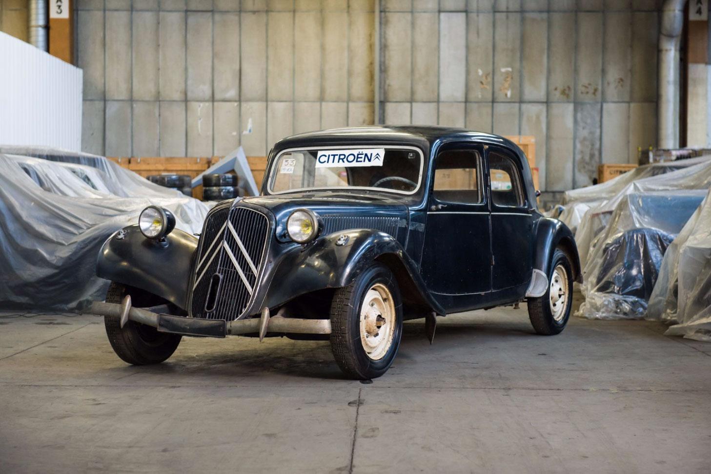 1953 Citroën Traction Avant 11