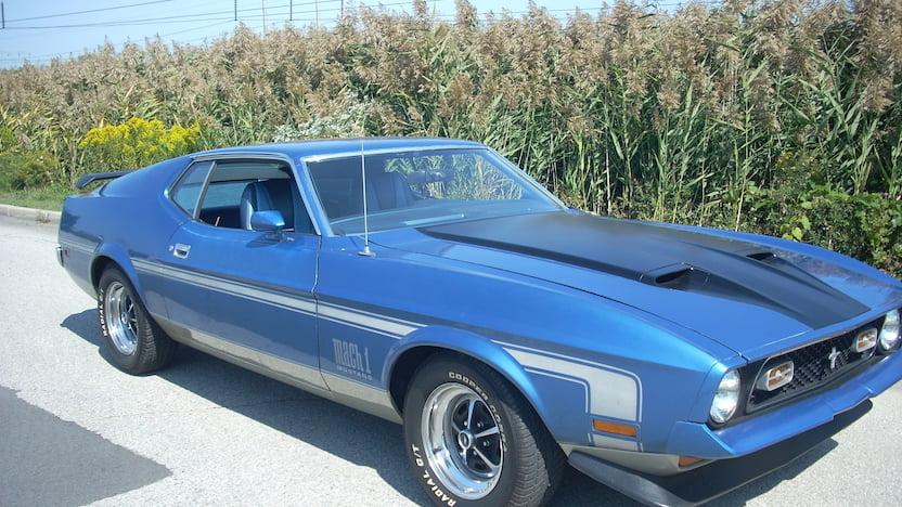 1972 Ford Mustang Mach 1 RH front corner