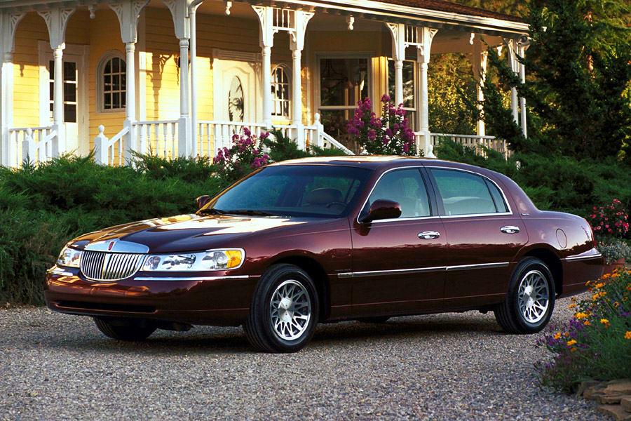lincoln town car 2001