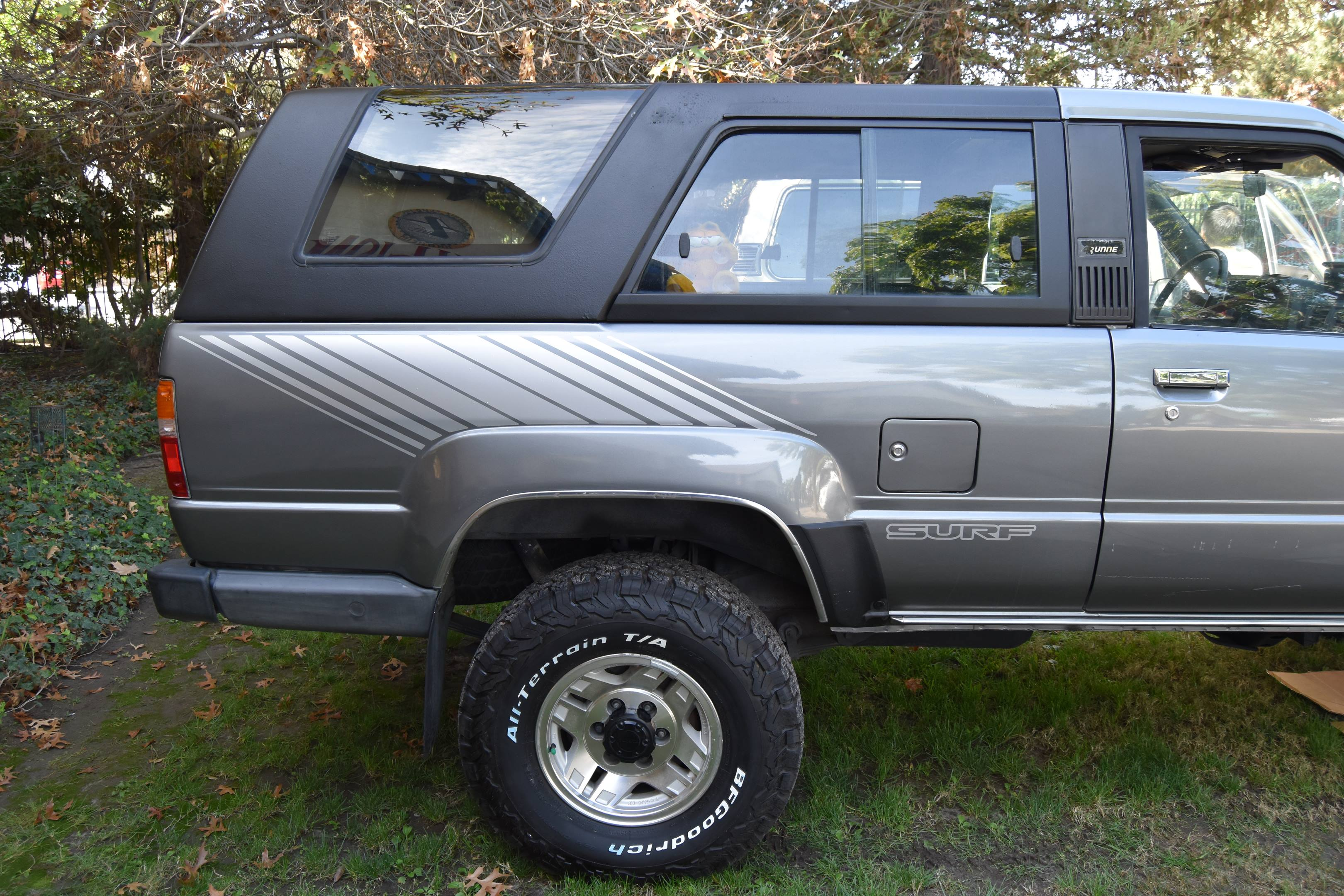 1986 Toyota 4Runner side