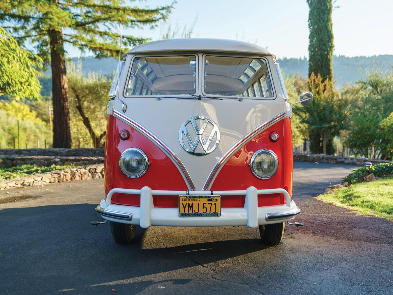 1960 Volkswagen Deluxe 23-Window Microbus
