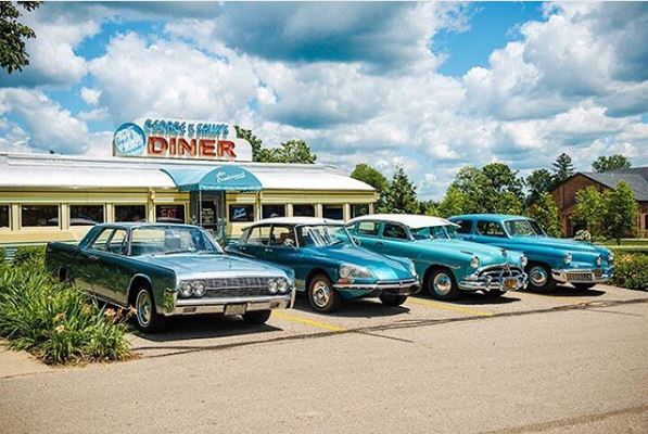 1961 Lincoln Continental, 1970 Citroen DS21 Aero Super, 1952 Hudson Hornet and 1948 Tucker