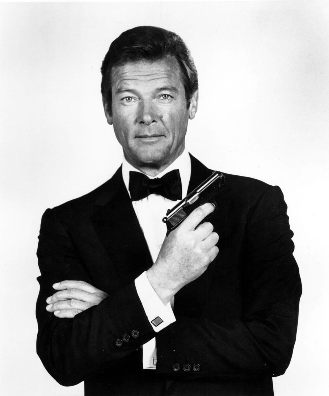 James Bond actor Sir Roger Moore dies thumbnail
